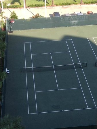 The Galvestonian: Tennis courts and Basketball Hoop