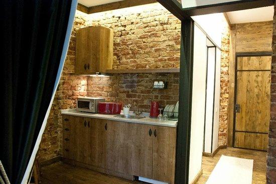 İncila Suites : Kitchen