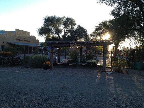Silver Saddle Motel smoking area