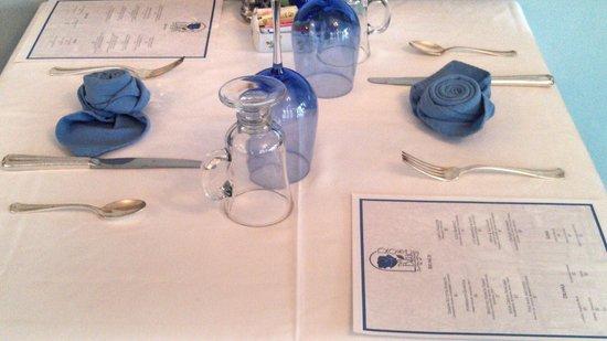 The Blue Rose Inn & Restaurant: OrIgami Blue Rose Tied Napkins