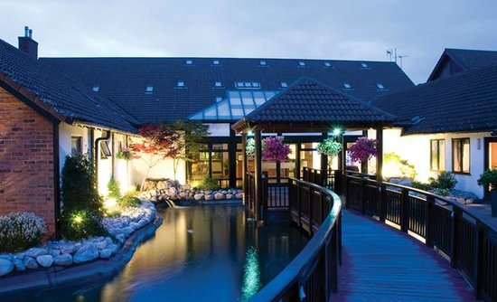 Champneys Springs Health Resort: Main entrance