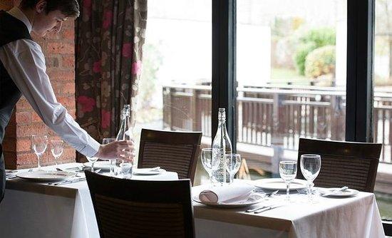 Champneys Springs Health Resort: Fountain Restaurant