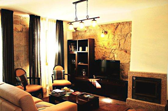 Casa dos Rui's Turismo Real: SALA