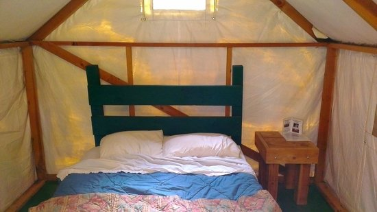 Yosemite Bug Rustic Mountain Resort : Clean and well maintained tent cabin