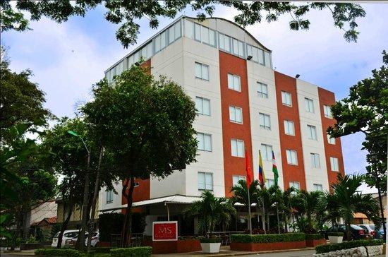 fachada hotel ms chipichape