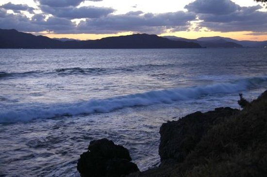 Akagurizaki Auto Camping Site: 朝の海岸