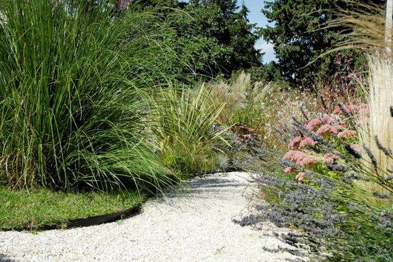 Le Mas au Jardin Secret : Le jardin