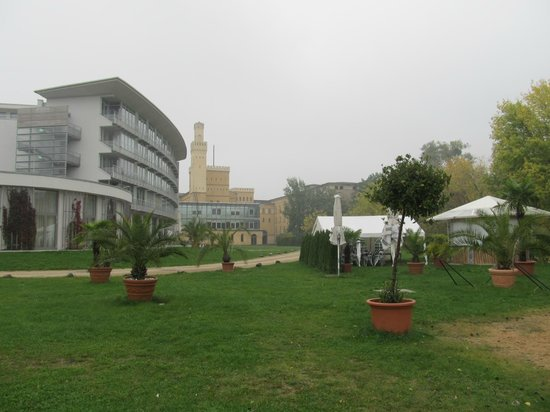 arcona Hotel am Havelufer : Het moskee-achtige gebouw is een pomp station