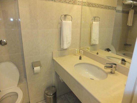 Grand Hotel Palace Thessaloniki: ванная