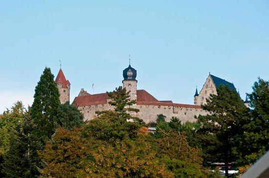 Hotel Weinstube Gerberhof: Blick auf die Veste Coburg