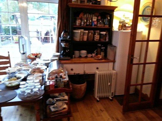 Bunratty Castle Mews: Breakfast room entrance