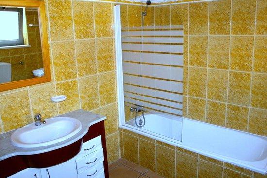 Quinta dos Caracois: Bathroom