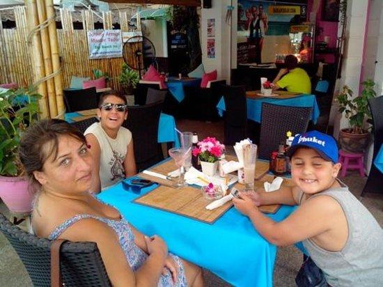 Hakan's Bar & Restaurant: The Wife & Kids