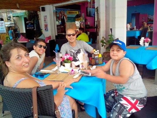 Hakan's Bar & Restaurant: The 'Hakanites'