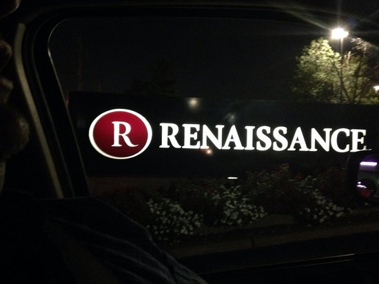 Renaissance St. Louis Airport Hotel : Hotel sign at night