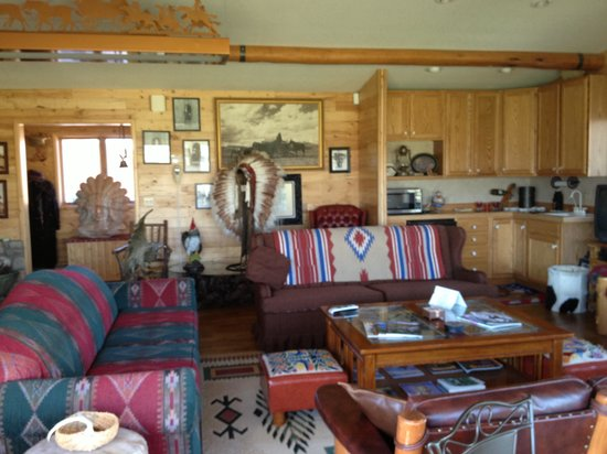 K3 Guest Ranch Bed & Breakfast: The livingroom of the K3 ranch