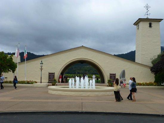 Wine Country Tour Shuttle : Mondavi Winery