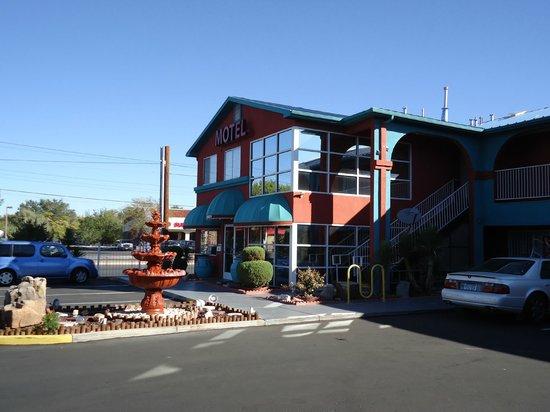 Sandia Peak Inn Motel : Sandia Peak Main Office