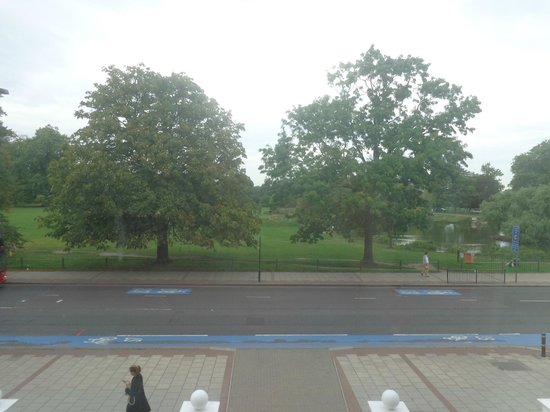 Euro Hotel Clapham : Vista al parque