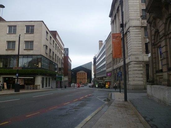 Days Inn Liverpool City Centre: Calle del hotel