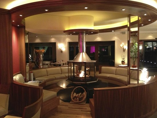 BELLERIVE - CHIC HIDEAWAY: Reception lounge with real fire