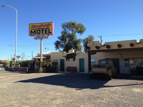 Silver Saddle Motel: Roadside Inn