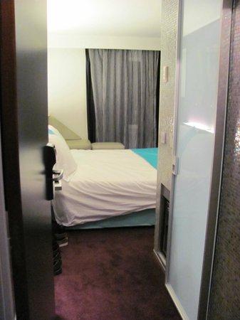 Hotel du Cadran Tour Eiffel: Hotel Cadran room from the hallway