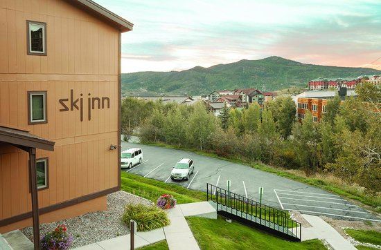 Ski Inn Condominiums: View from Ski Inn