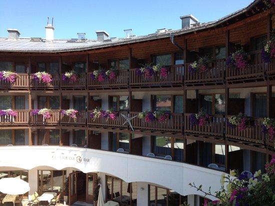 Das Alpenhaus Kaprun: Das Alpenhaus im Sommer