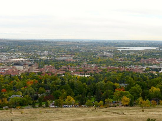 Flatirons: view of University of Colorado Boulder from the hiking trail
