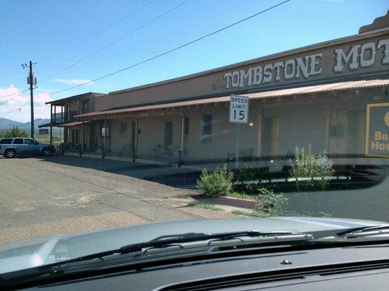 Budget Host Inn Tombstone: 1 verdieping.