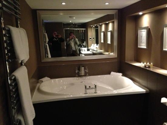 Langdale Hotel: double jacuzzi!