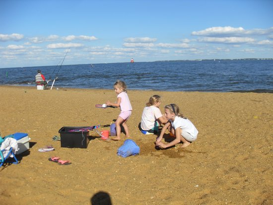 Sandy Point State Park: At the beach