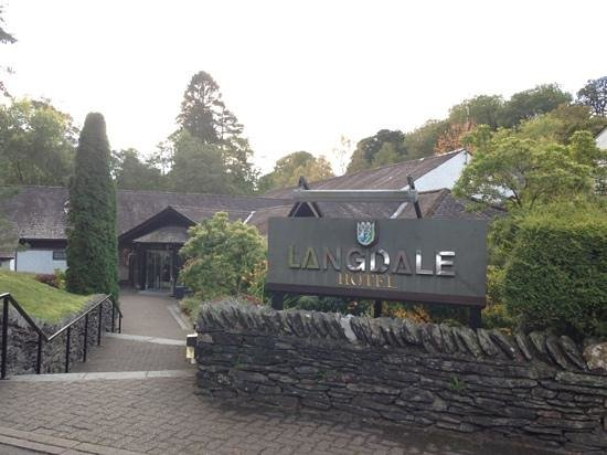 Langdale Hotel: Welcoming entrance