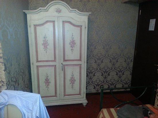 """Hotel Relais dei Papi: """"closet"""" relais"""