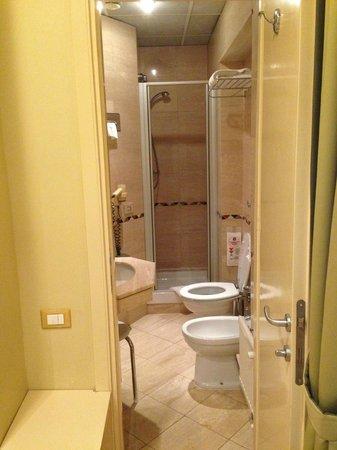 Duca D'Alba Hotel: Bathroom