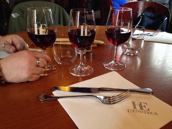 L'Enoteca: Vino del menú... de Toscana