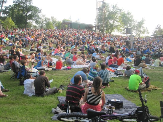 Shakespeare in Delaware Park : Shakespeare in the Park