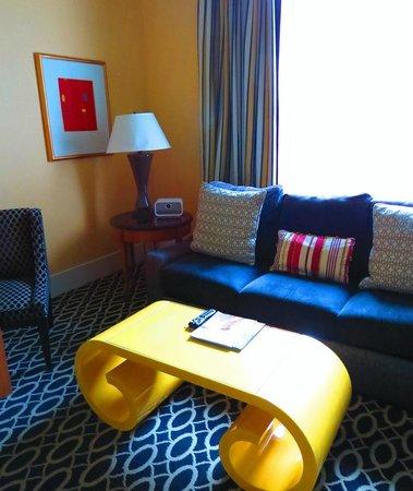 Kimpton Hotel Monaco Washington DC: Living area