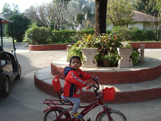 Vivanta by Taj - Sawai Madhopur Lodge: Rey enjoying his cycle ride