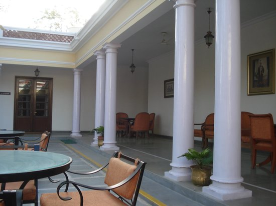 Vivanta by Taj - Sawai Madhopur Lodge: Verandah