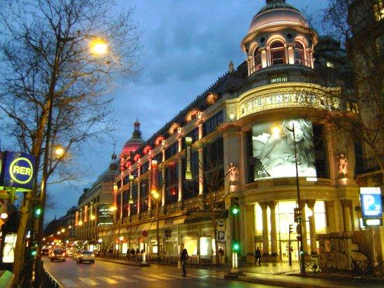 Experience Paris - Guided City Tour: galerias printemps, parís