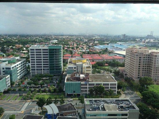The Bellevue Manila: Club lounge  view