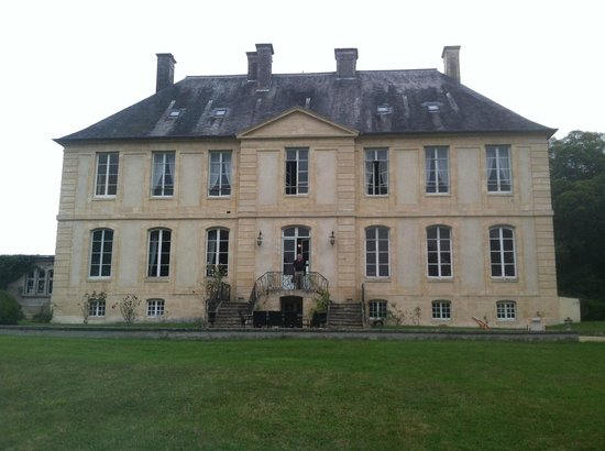 Château de la Ferrière : The front of the chateau. The upstairs center window was our bathroom.
