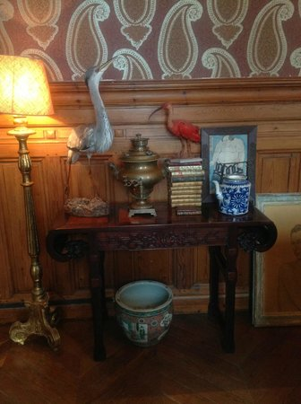 Château de la Ferrière : Eclectic and interesting objects abound.  Here, the guest sitting room where breakfast is served