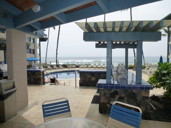 Kona Reef Resort: Pool Area