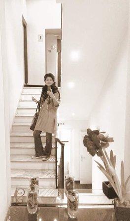Hôtel Relais Acropolis: staircase, quite classy