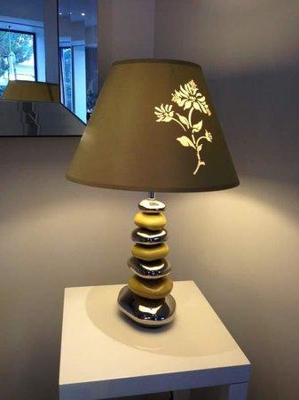 Hotel Relais Acropolis: hotel lobby, nice lamp