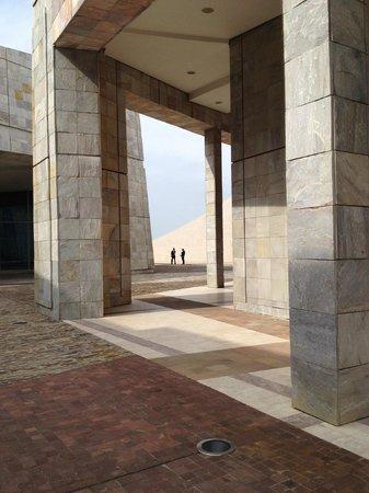 Hostal Windsor : The Cidade da Cultura spaces and buildings are monumental.