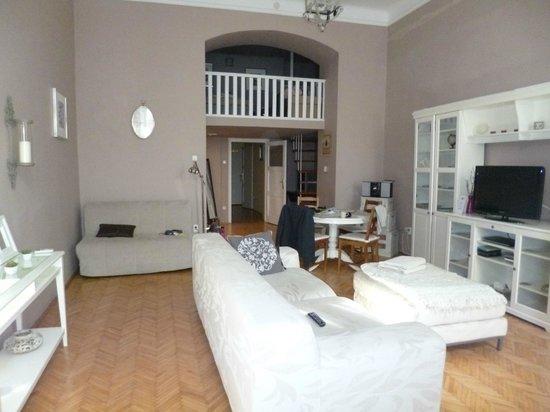 Entre Amis Apartments Budapest: pièce principale